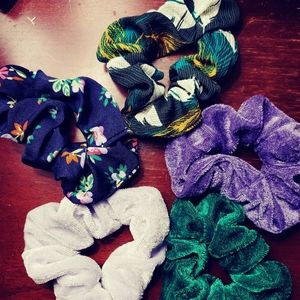 Scrunchies Hair ties